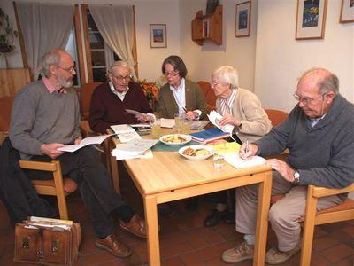 Arbeitsgruppe Dorfchronik bei der Arbeit